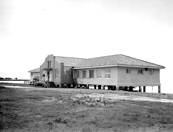 Lincoln Beach's first bath house, in 1941, just after construction; this building became a restaurant at the time of the 1953 renovation